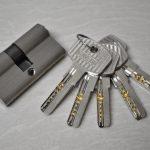 Perbaikan Silinder Kunci dan Gagang Pintu Rumah